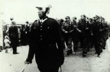 Oddział Hufca Szkolnego Przysposobienia Wojskowego Gimnazjum Mechanicznego przy PWS w Białej Podlaskiej na defiladzie 11 listopada 1938 r. [fotografia]