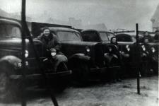 Samochody Spółdzielni Kierowca i Mechanik Samochodowy w Białej Podlaskiej [fotografia]