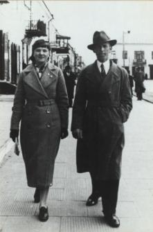 Mieszkańcy Białej Podlaskiej na Placu Wolności [fotografia]