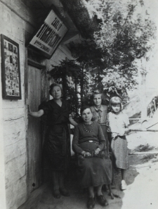 Zakład fotograficzny Karoliny Szymkowskiej przy ul. Siedleckiej w Konstantynowie [fotografia]