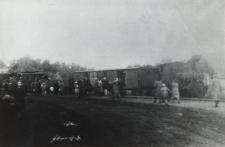 Na stacji Bialskiej Kolei Dojazdowej (wąskotorówki) w Leśnej Podlaskiej [fotografia]