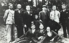 Robotnicy z majątku hr. Tadeusza Plater-Zyberka w Konstantynowie [ fotografia]