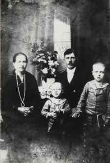 Rodzina z Nosowa [fotografia]