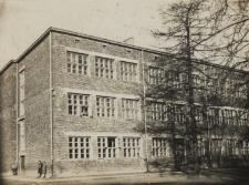 Szkoła Powszechna nr 1 i 2 w Radzyniu Podlaskim [fotografia]