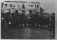 Uczniowie kl. VII Szkoły Podstawowej w Kodniu [fotografia]