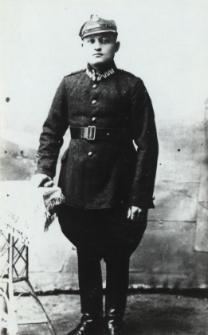Mieszkaniec Konstantynowa w mundurze wojska polskiego [fotografia]