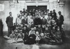 Uczniowie kl. III Szkoły Podstawowej w Konstantynowie [fotografia]