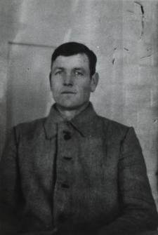 Józef Pilczuk - woźny w Liceum Ogólnokształcacym im. J. I. Kraszewskiego w Białej Podlaskiej [fotografia]
