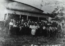 Dzieci z rodzin ubogich na koloniach letnich we Fronołowie [fotografia]