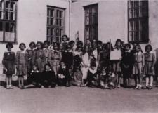 """I Gromada Zuchowa """"Leśne Duszki"""" przy Szkole Powszechnej nr 3 w Białej Podlaskiej [fotografia]"""
