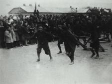 Zuchy podczas defilady z okazji święta 3 Maja w Białej Podlaskiej [fotografia]