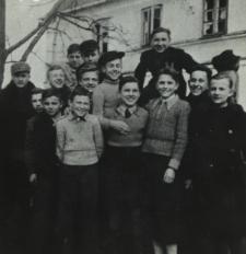 Uczniowie kl. I Publicznej Szkoły Handlowej w Białej Podlaskiej [fotografia]