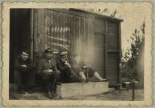 Pracownicy kolejowi [fotografia]