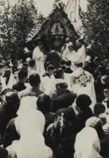 Jeden z ołtarzy Bożego Ciała w Janowie Podlaskim [fotografia]