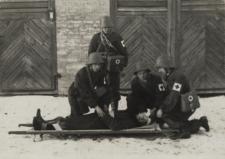 Ćwiczenia ratowncze straży pożarnej w Janowie Podlaskim [fotografia]