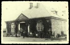 Budynek szkoły w Koroszczynie [dokument ikonograficzny]