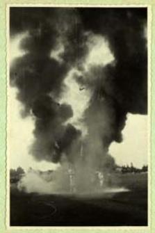 Święto Lotnictwa Polskiego - pokaz gaszenia pożaru na lotnisku w Białej Podlaskiej [dokument ikonograficzny]