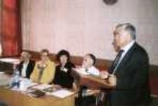 """Seminarium polsko-białoruskie bibliotekarzy """"Bug nie dzieli"""" (Brześć - Iwanowo ; 16-18 września 2004) - obrady w bibliotece w Brześciu"""